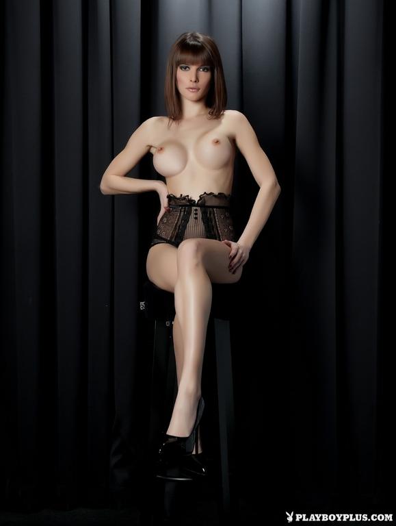 Big booty latina nude