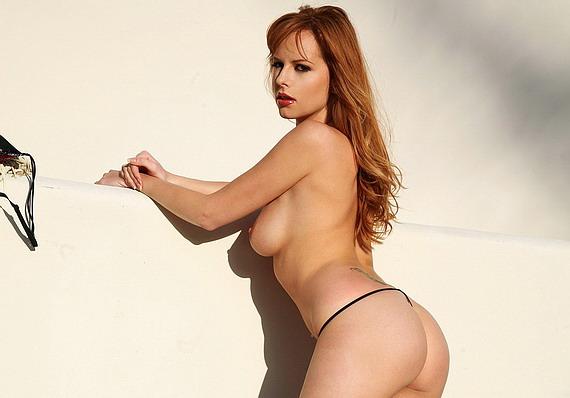 Carmen Kees má sexy zadok #Sex