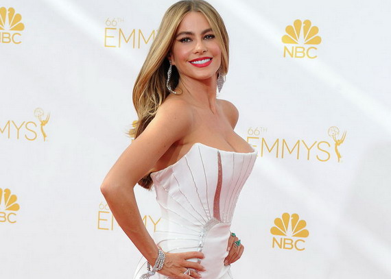 SofiaVergara66thEmmyAwards4