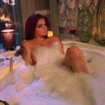 Here's Ariel Winter Naked in a Bathtub and other Hot Links