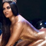 Anela Malia is Covered with Glitter and other Hot Links