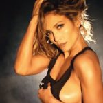 Jennifer Lopez sideboob pics and other Hot Links